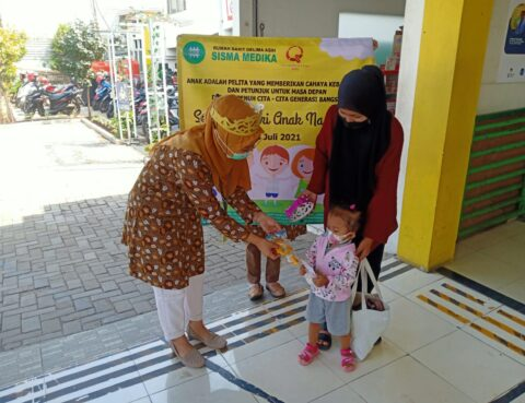 Pengenalan Poli Anak & Pembagian Masker dalam Rangka HAN 2021